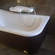 Монтаж ванны у стены