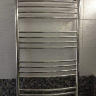 Монтаж полотенцесушки в ванной комнате